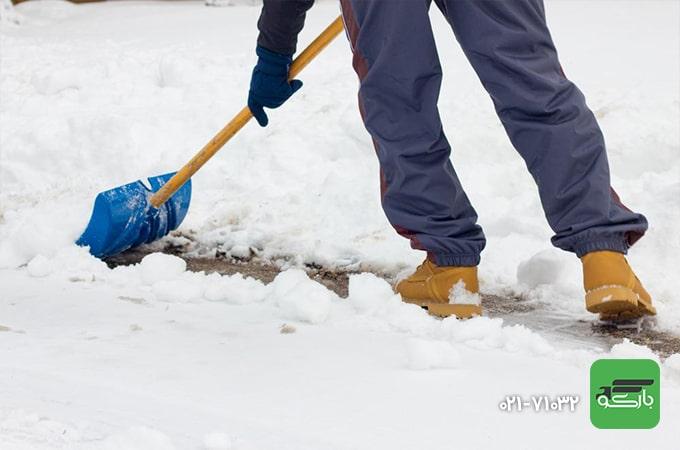 پاک کردن برف ها